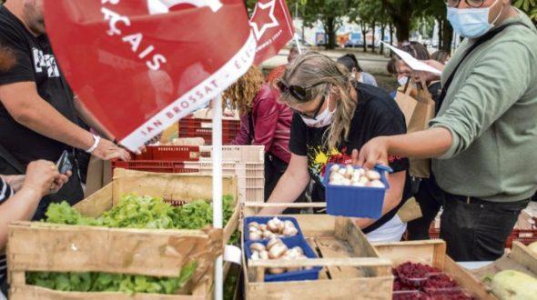 L'Humanité : Carton plein pour les ventes solidaires de fruits et légumes