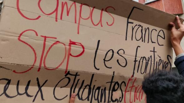 Bondy Blog : Devant Campus France, les étudiants disent non à la hausse des frais d'inscription pour les étudiants étrangers